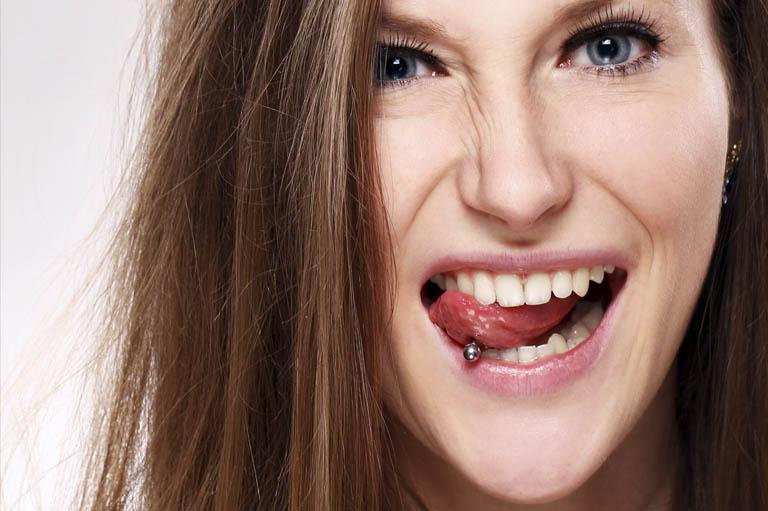 consecuencias de los piercing en la boca